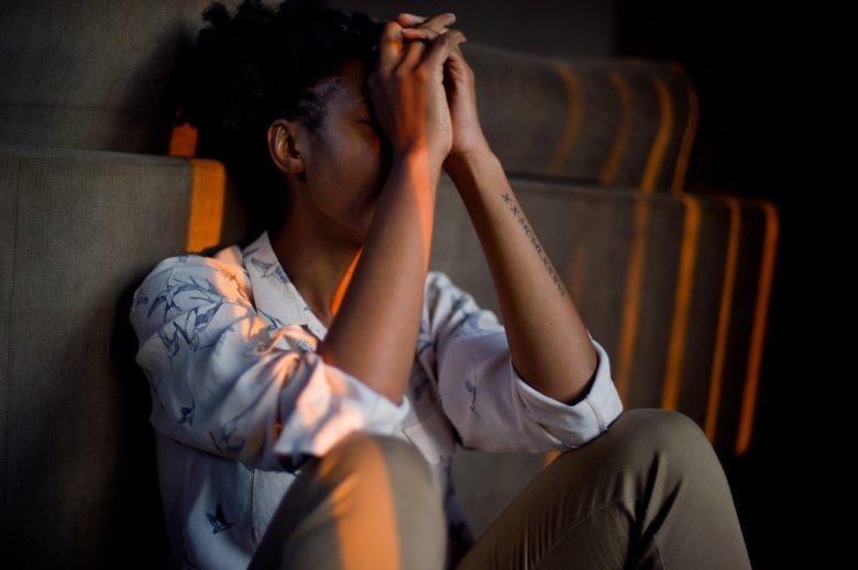 仕事のストレスが発生する原因と改善策